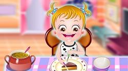 Hazel Bebeğe Yemek Yemeyi Öğret