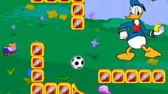 Mickeyle Bahçede Balon Atışı oyunu